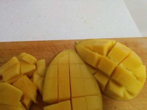 タイ産マンゴー