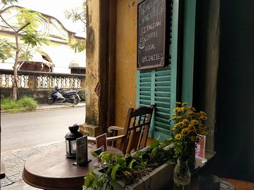 ホイアンのカフェ