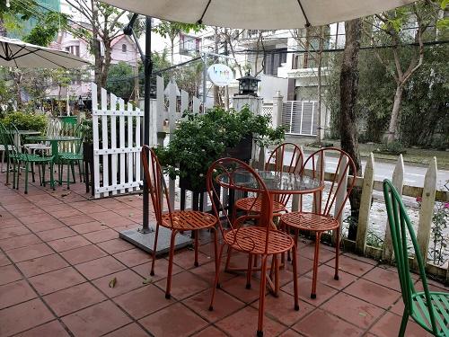 ベトナムお得意のこじゃれたカフェ
