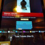 チケット購入機。画面の回は席が7割くらい埋まってました