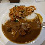 シンガポールのココイチのカレー(ビーフと豚キムチのせ)