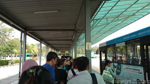 マレーシア入国後のバスターミナル。CW3乗り場は一番奥