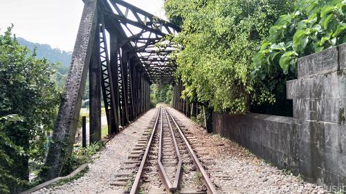 恐怖の鉄橋